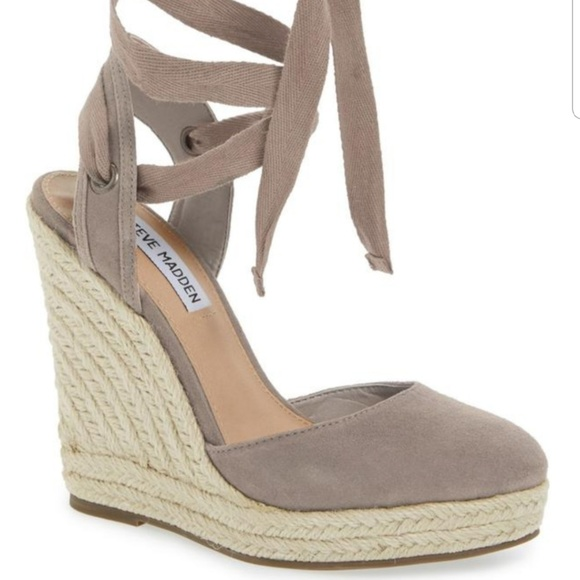 918651fd8dba Steve Madden Shoes - wedge espadrilles sandals worn once